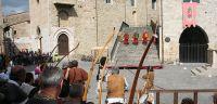 bevagna-gara-di-tiro-con-arco-storico-il-mercato-delle-gaite-2015